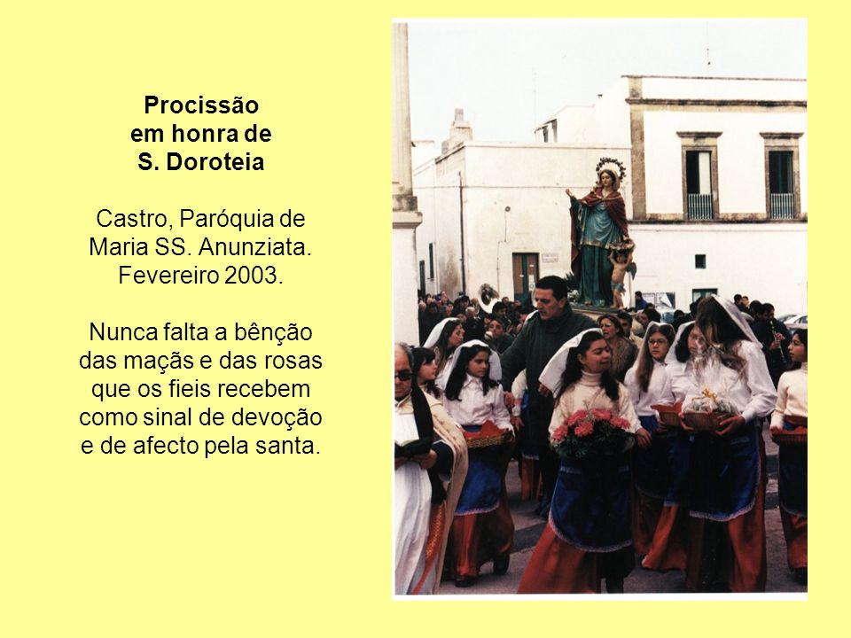 Procissão em honra de S.Doroteia Castro, Paróquia de Maria SS.