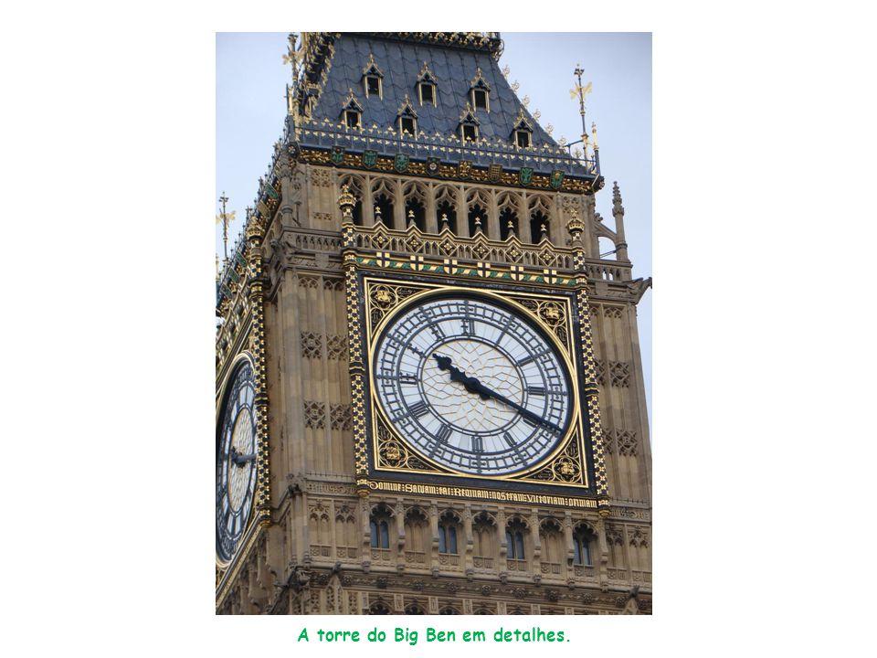 A torre do Big Ben em detalhes.
