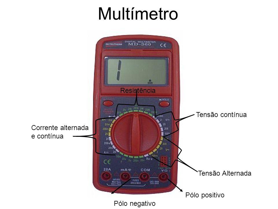 Um multímetro possui duas pontas de prova, uma vermelha e uma preta.