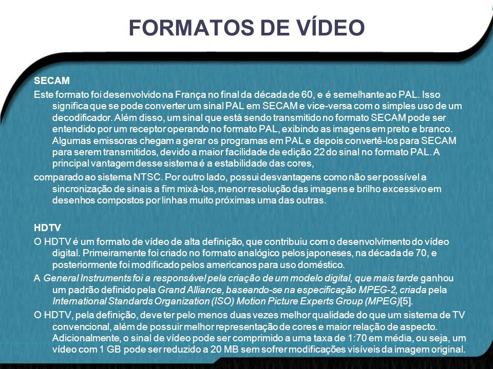 FORMATOS DE VÍDEO MPEG-1 O formato MPEG foi o primeiro padrão de compressão de vídeo digital criado, no final dos anos 80, possuindo alguns problemas de codificação, como distorção da imagem gerada.
