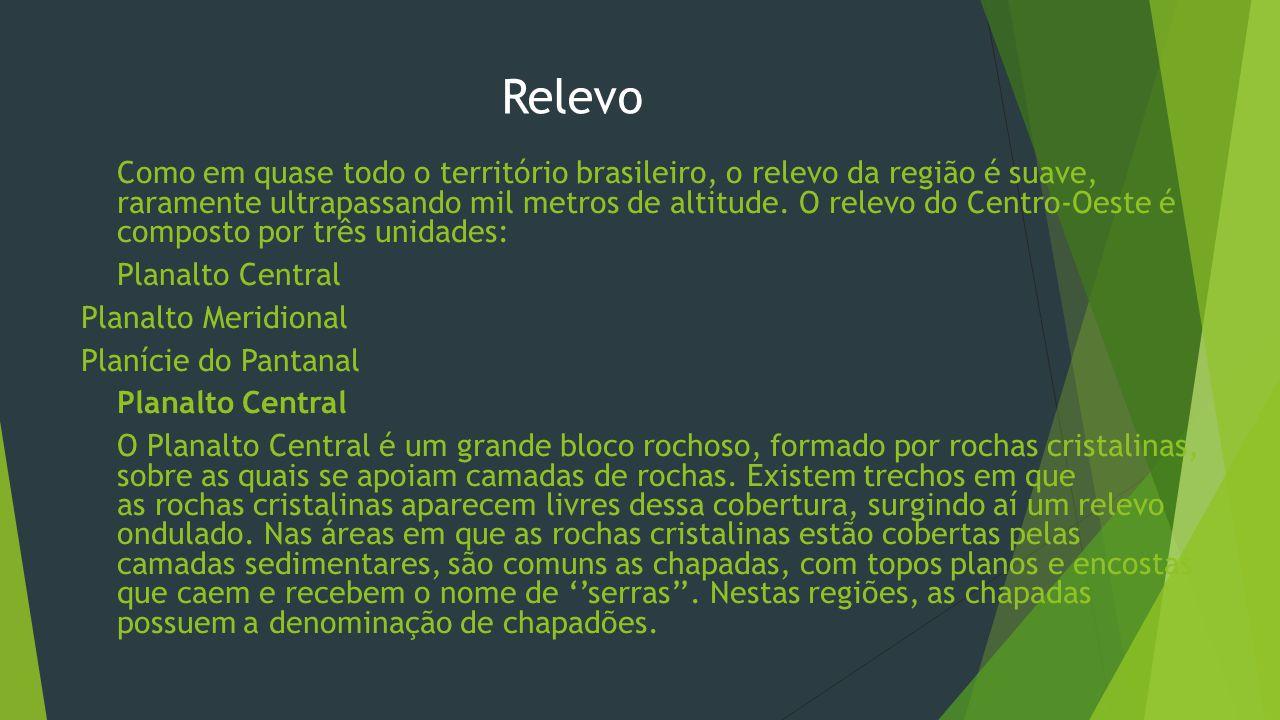Impactos ambientais – Cerrado e Pantanal  Cerrado - A expansão agropecuária, os garimpos, a construção de rodovias e cidades como Brasília e Goiânia, são os principais aspectos provocados pela ação humana, que reduziram esse ecossistema a pequenas manchas distribuídas por alguns estados brasileiros.