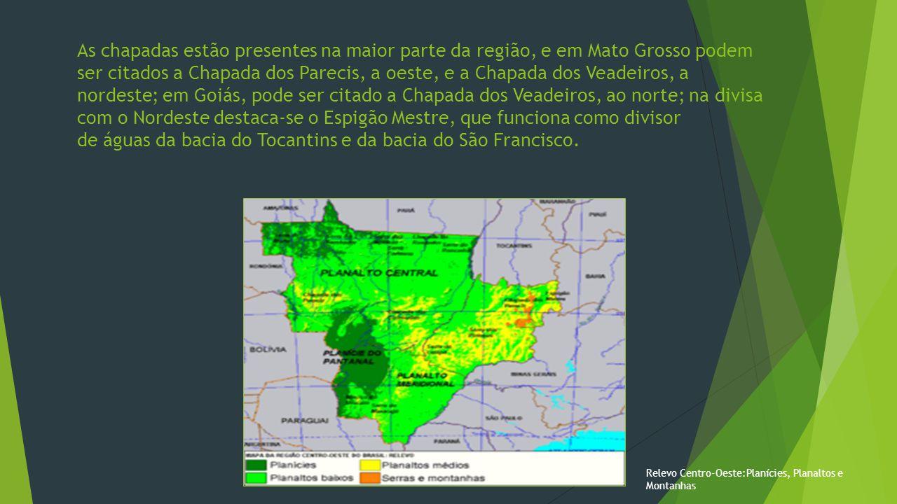 Relevo Como em quase todo o território brasileiro, o relevo da região é suave, raramente ultrapassando mil metros de altitude.