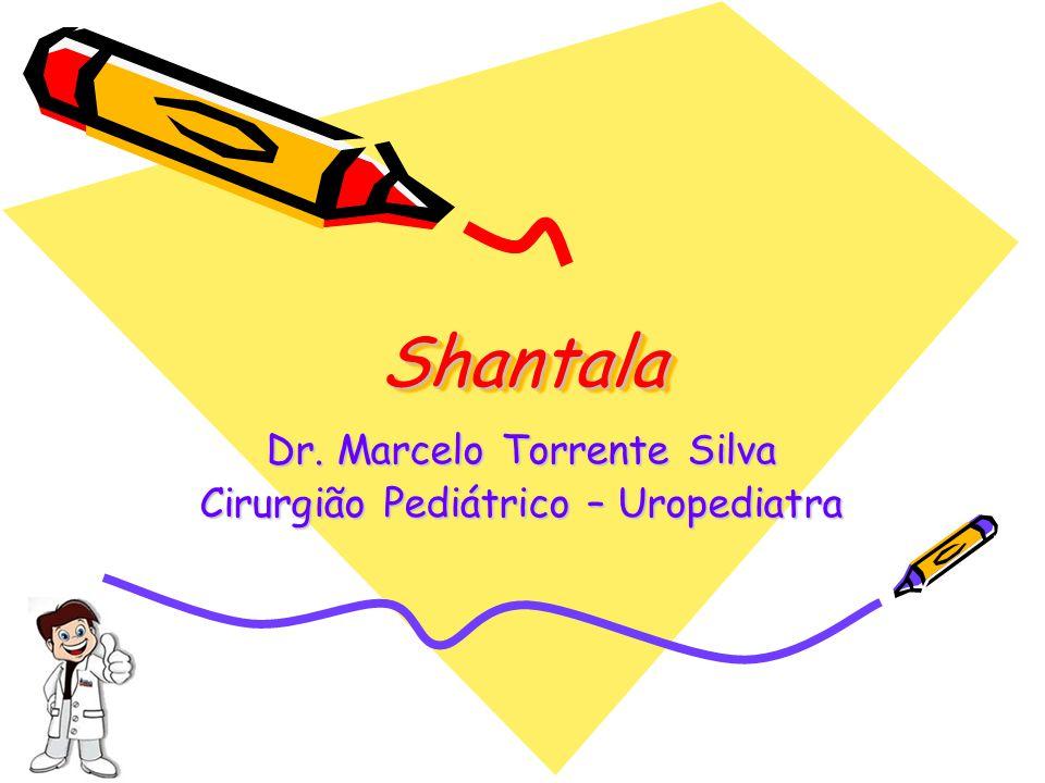 Shantala SEIS: Como nos braços, massageie as coxas com o movimento de rosca ou torção.
