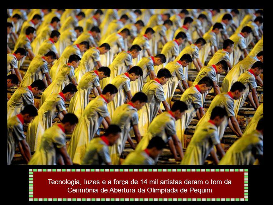 Tecnologia, luzes e a força de 14 mil artistas deram o tom da Cerimônia de Abertura da Olimpíada de Pequim