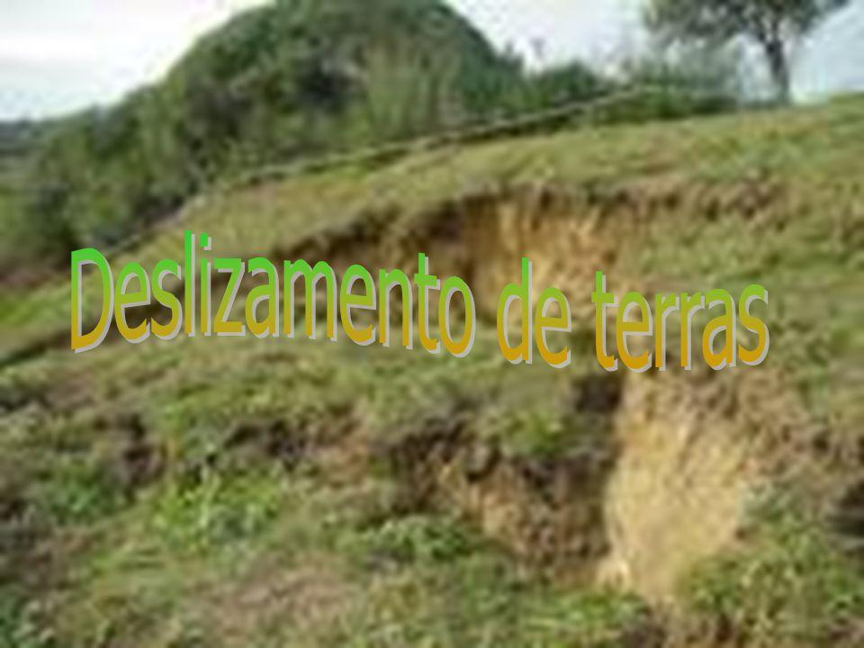 Um deslizamento de terra é um fenómeno geológico que inclui um largo espectro de movimentos do solo, tais como quedas de rochas, falência de encostas em profundidade e fluxos superficiais de detritos.