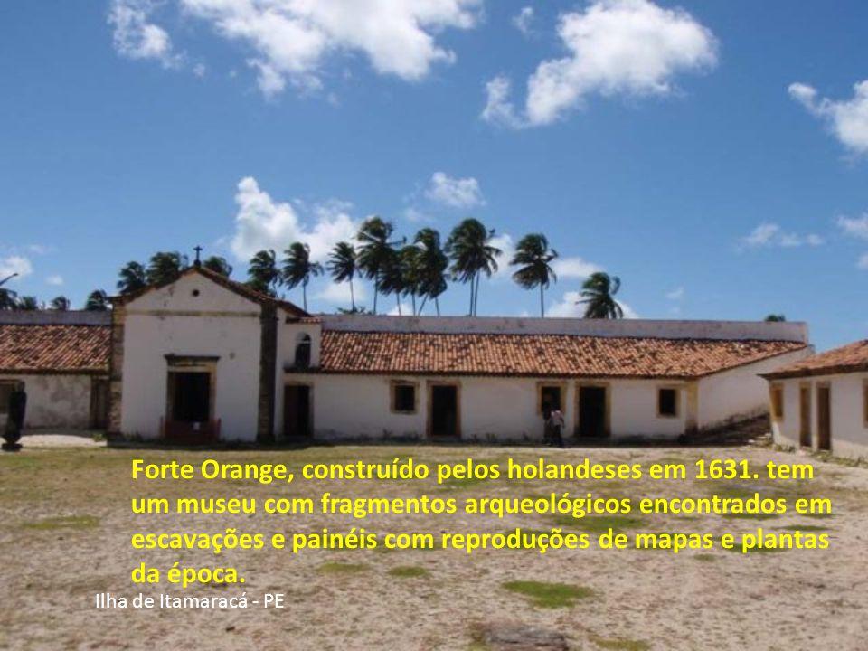 A Ilha de Itamaracá é um dos municípios brasileiros mais bonitos do Estado de Pernambuco, separado do continente pelo Canal de Santa Cruz e situado ap