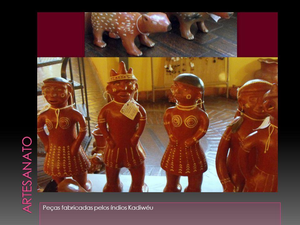 Peças fabricadas pelos índios Kadiwéu