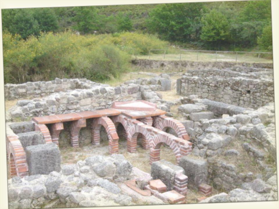 """ 1- """"frigidarium""""4- zona desportiva 2- """" tepidarium """"5- local da fornalha 3- """"caldarium""""6- """"Sudatorium"""""""