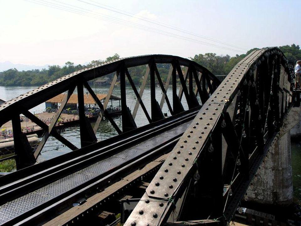 A história da construção da ferrovia da morte inspirou um ex-prisioneiro, o francês Pierre Boulle, para escrever o romance A Ponte do Rio Kwai .