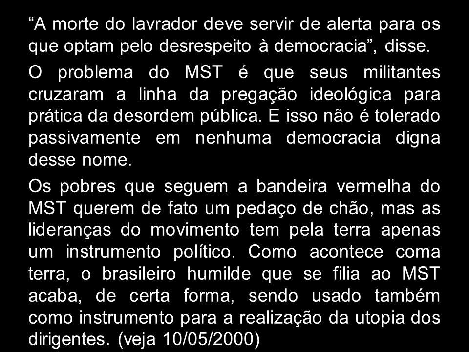 No Paraná, o governo mandou 800 policiais conter o avanço de quarenta ônibus que levavam sem-terra para um protesto em Curitiba. Houve muita confusão,