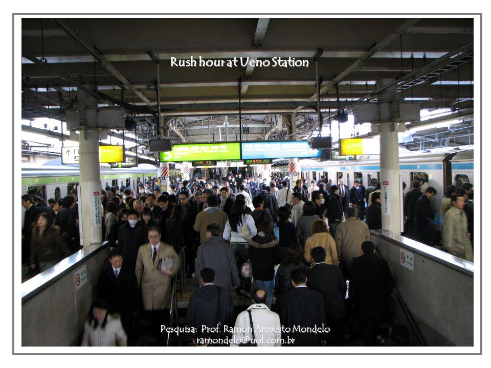 Rush hour at Ueno Station Pesquisa: Prof. Ramon Armesto Mondelo ramondelo@uol.com.br