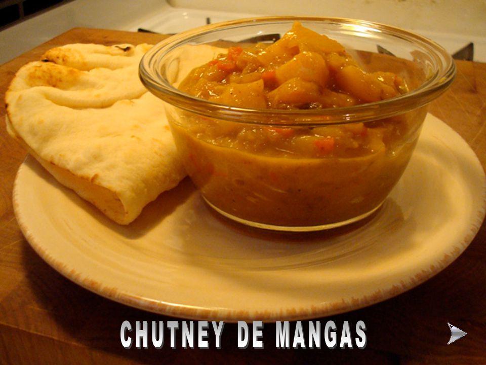 MODO DE FAZER O PURÊ DE BATATINHA E BATATA SALSA Ingredientes: 8 batatas médias descascadas 8 batatas salsa grandes descascadas sal e pimenta do reino