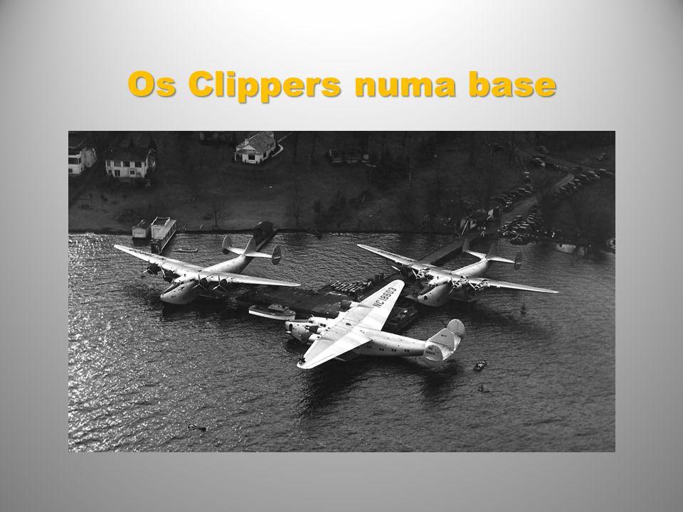 Os Clippers numa base