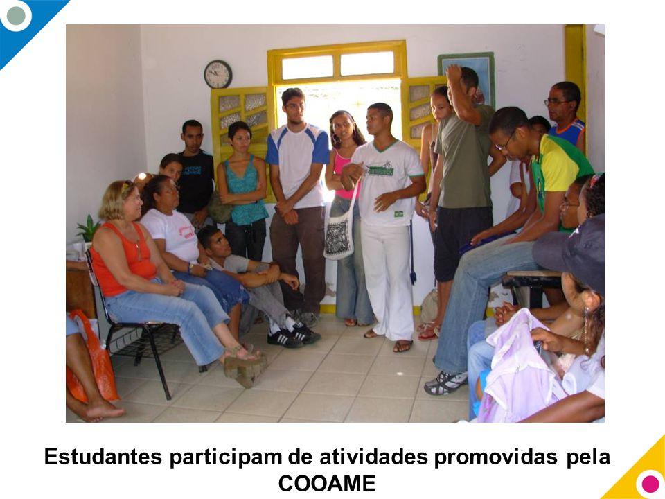Estudantes participam de atividades promovidas pela COOAME