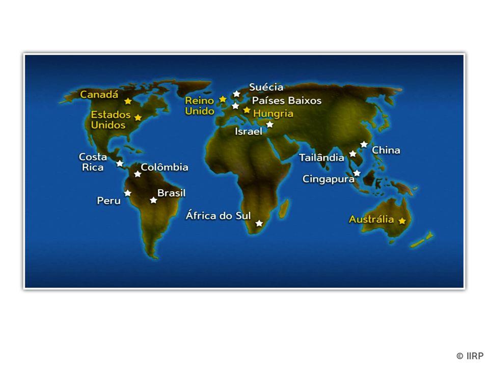 REFLEXÃO Esporadicamente é útil refletir e ter uma visão a longo prazo. Não podemos fazer tudo e há um sentido de liberação nisso. Podemos fazer alguma coisa e precisamos fazê-lo bem. Plantamos a semente que um dia crescerá; podemos nunca ver o resultado final. Fornecemos o fermento que produz efeitos muito além de nossas capacidades. -Arcebispo Oscar Romero Padre católico assassinado por sua posição contra a injustiça na América Latina 3