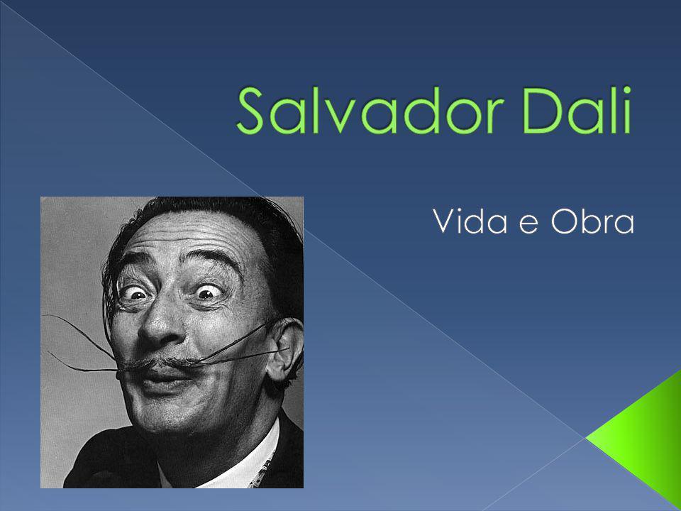 Qual era o movimento estético de Salvador Dali .