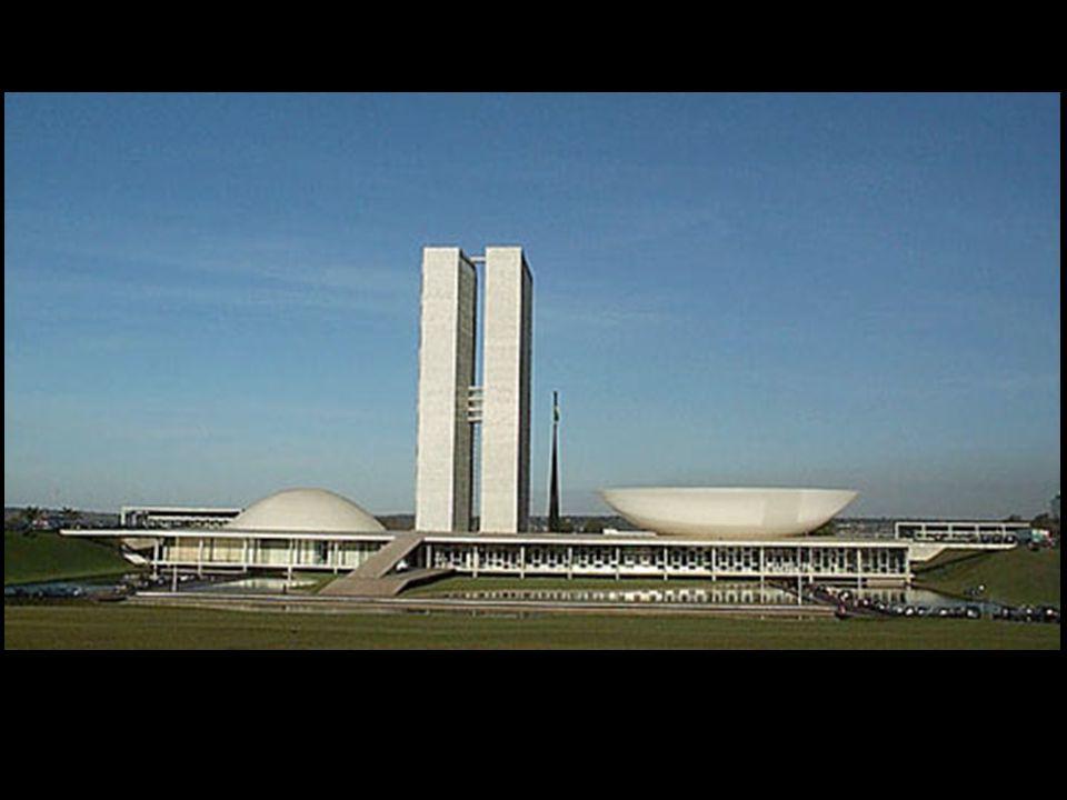  Internacionalização da economia Instalação de multinacionais no Brasil ( indústria automobilística) – Grande crescimento do PIB – Emissão de papel-m