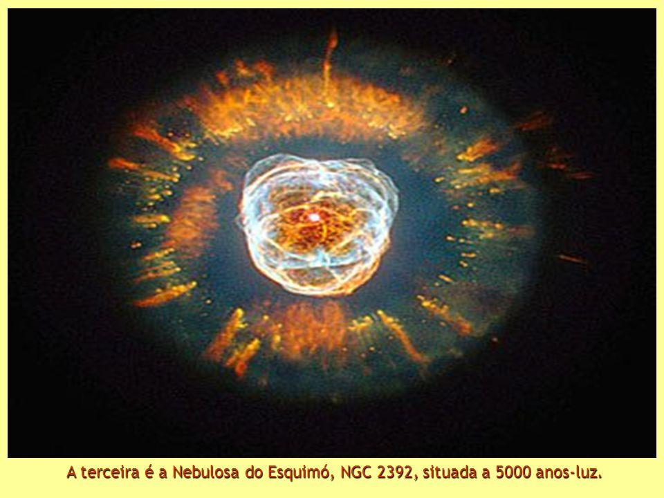 Depois, a fabulosa Nébula Mz3, chamada Nebulosa da Formiga, pela sua aparência. Está situada entre 3000 e 6000 anos-luz.
