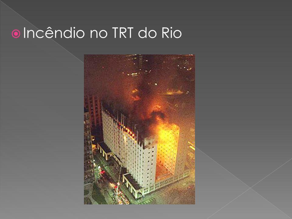 Cláudia Valente  Jornalista  Bacharel em Direito Foi assessora de Imprensa dos Correios, trabalhou nas editorias de Cidade e Política do Correio Braziliense e atualmente é jornalista da Assessoria de Imprensa do TST.