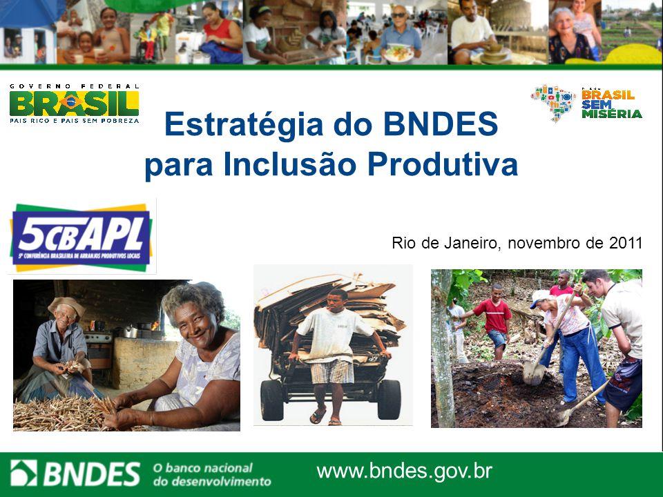 Bancos Comunitários: Banco Palmas  Em julho de 2010, o BNDES contratou a primeira operação com o Instituto Palmas, no âmbito do Programa BNDES de Microcrédito  Valor Contratado: R$ 3 milhões  Valor da Contrapartida: R$ 529,4 mil  Objetivo: realizar operações de microcrédito com os tomadores indicados pela rede de bancos comunitários existentes no Brasil  Valor Liberado: R$ 1,22 milhão  Em outubro de 2010, o BNDES aprovou uma nova operação com o Instituto Palmas com recursos do Fundo Social  Valor Contratado: R$ 2,2 milhões  Objetivo: fortalecer a capacidade operacional de toda rede de bancos comunitários existentes no Brasil  Valor Liberado: R$ 398 mil