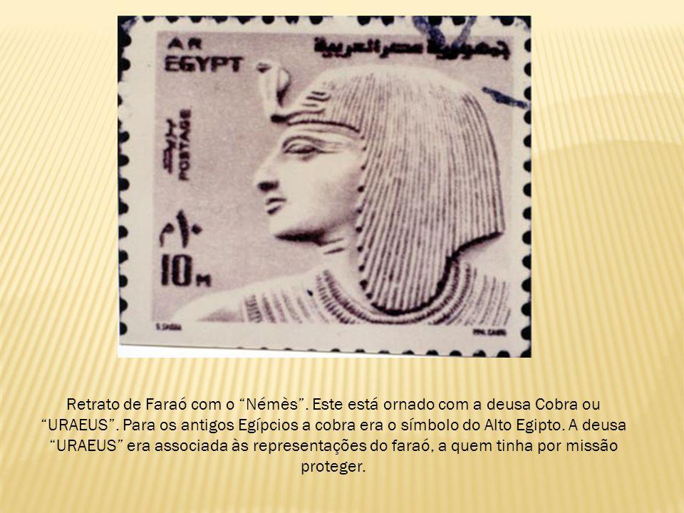 """Retrato de Faraó com o """"Némès"""". Este está ornado com a deusa Cobra ou """"URAEUS"""". Para os antigos Egípcios a cobra era o símbolo do Alto Egipto. A deusa"""
