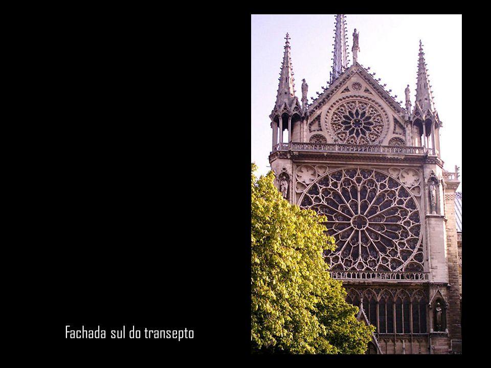 Fachada sul do transepto