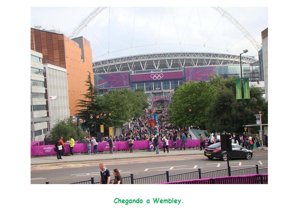Chegando a Wembley.