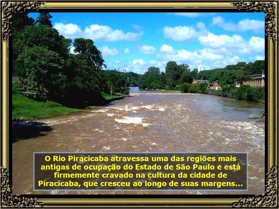 Da Passarela Pênsil, que interliga a Avenida Beira Rio ao Engenho Central, pode-se ter uma bela panorâmica da cachoeira e do trecho navegável...
