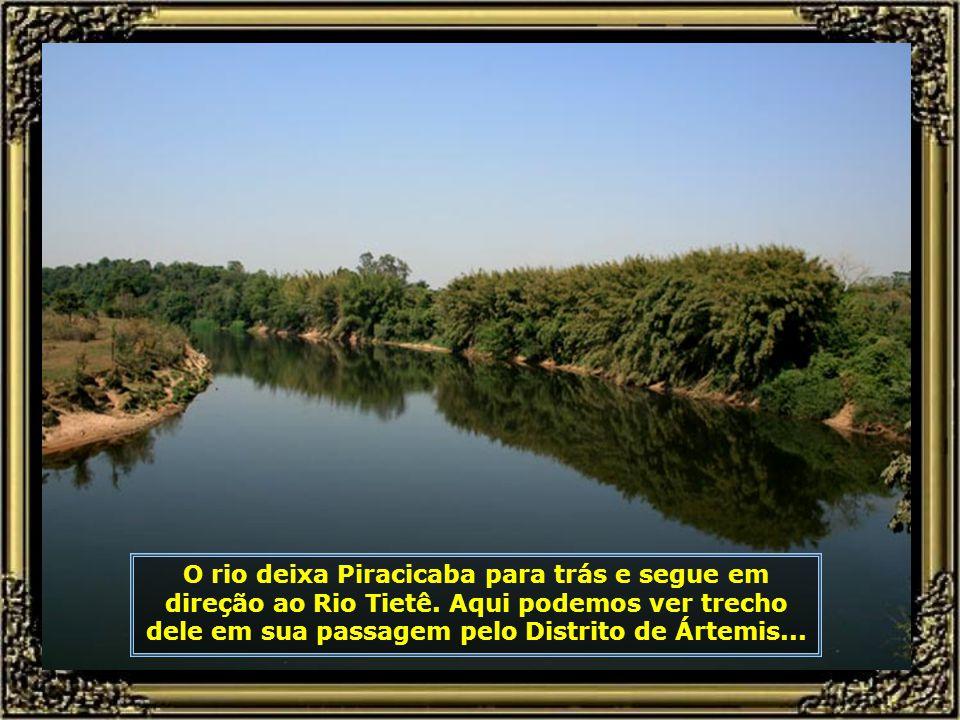 Antes de deixar Piracicaba, ele recebe seu maior afluente: o Rio Corumbataí, que nasce em Analândia, percorre 95 km passando por Corumbataí, Cordeiróp