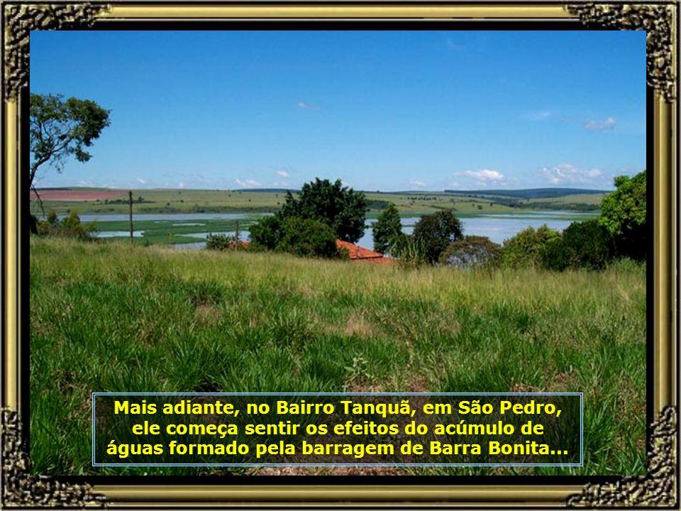 O rio deixa Piracicaba para trás e segue em direção ao Rio Tietê. Aqui podemos ver trecho dele em sua passagem pelo Distrito de Ártemis...