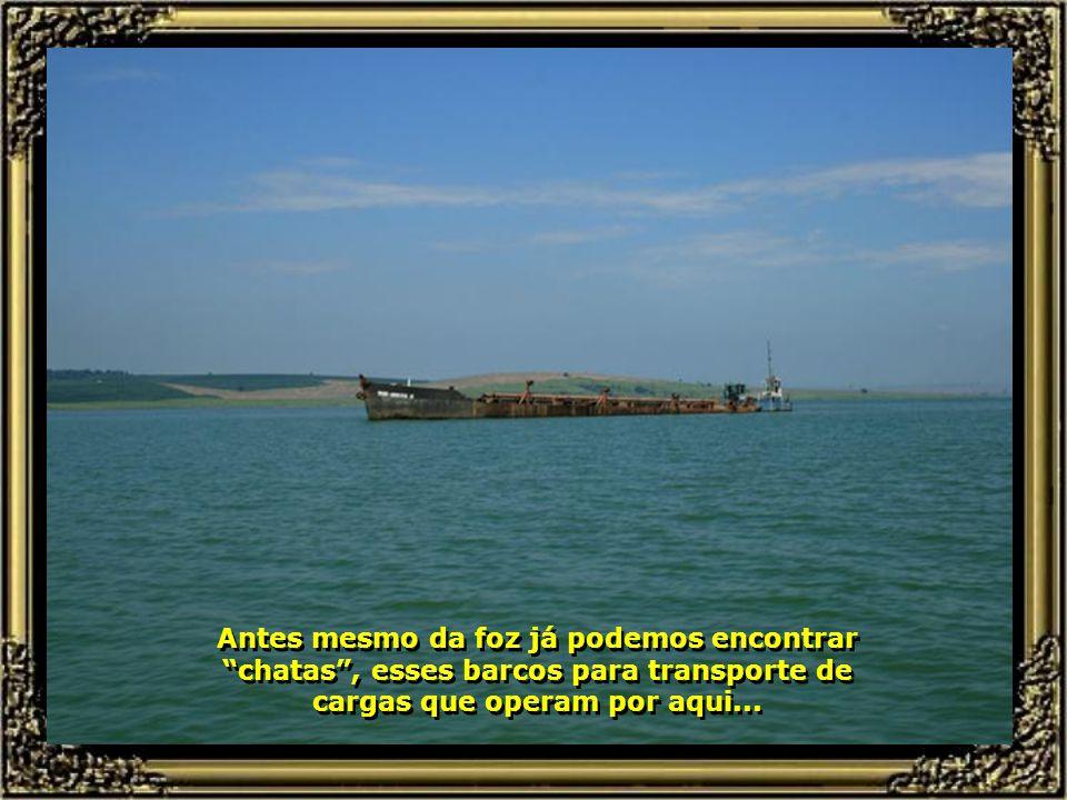 Suas águas calmas permitem os românticos passeios de barcos à vela, deslizando ao sabor dos ventos e apreciando a beleza da paisagem que nos rodeia...