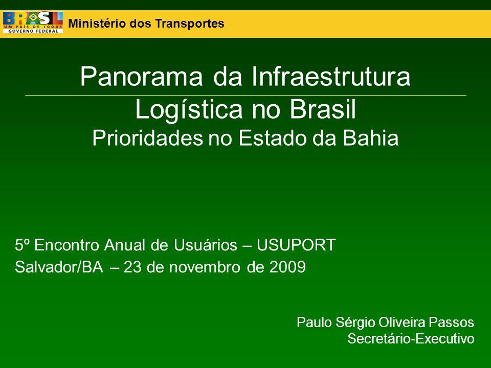 Ministério dos Transportes 32 PAC na Bahia– Investimentos FERROVIASMeta (km)2007-2010Pós 2010 Conclusão Prevista Variante Ferroviária Camaçari - Aratu 18,00 80,50 30/6/2011 Contorno Ferroviário de São Félix 17,00 2,10 Ferrovia de Integração Oeste-Leste 1.490,00 1.600,00 4.400,0031/7/2013 SUBTOTAL 1.525,00 1.682,60 4.400,00 TOTAL 6.082,60 RODOVIASMeta (km)2007-2010Pós 2010 Conclusão Prevista BR-101 164,80 110,00 220,0030/4/2012 BR-324 Via Expressa 23,00 254,55 84,8530/5/2011 BR-116 Ibó 1,18 34,90 30/4/2009 BR-135 321,00 250,00 30/12/2010 BR-030 7,20 26,70 30/3/2010 BR-418 72,90 86,00 22,0030/7/2011 SUBTOTAL 590,08 762,15 326,85 TOTAL 1.089,00