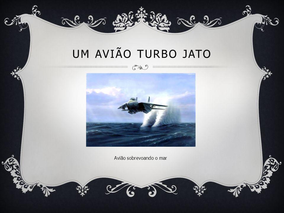 UM AVIÃO TURBO JATO Avião sobrevoando o mar