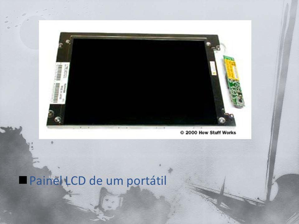 A maioria dos computadores portáteis tem placas de som ou de processamento de som integradas na motherboard, como os alto- falante embutidos.