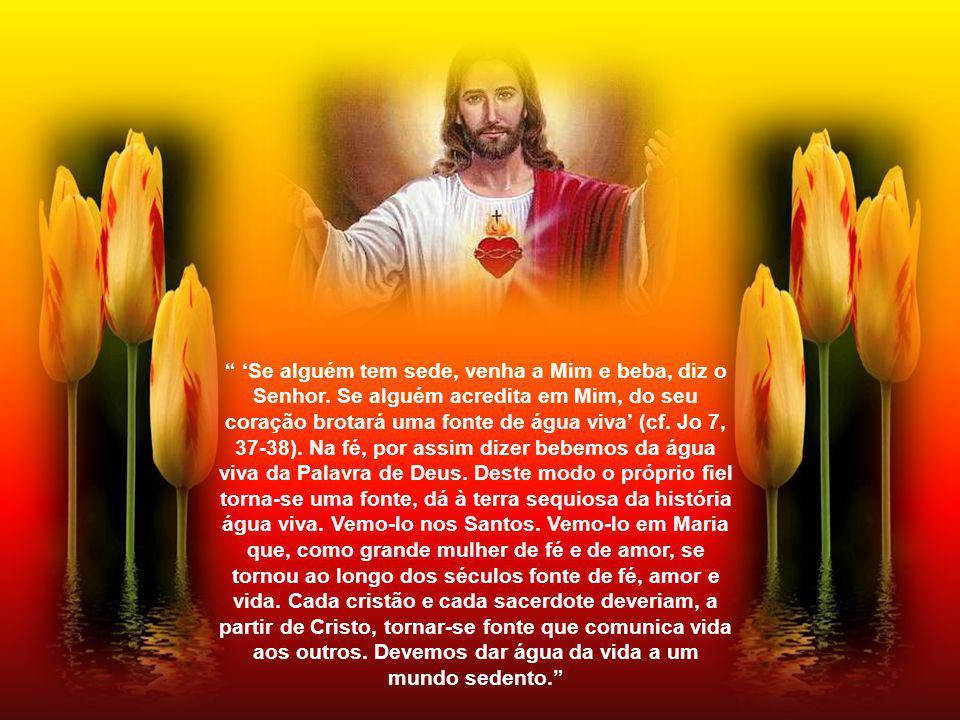 O Coração de Jesus é trespassado pela lança.