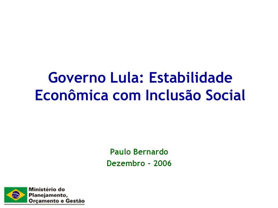 Ao fim do primeiro mandato do Presidente Lula, diversos aspectos mostram melhoria significativa na vida do brasileiro, a citar: Redução da desigualdade Diminuição da pobreza e extrema pobreza Geração de empregos, com queda no desemprego Aumento na renda do trabalhador Inflação controlada Estabilidade econômica Recuperação da credibilidade