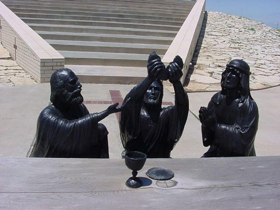 Jesus Cristo Estas são fotografias de esculturas em metal da crucificação de Jesus Cristo.