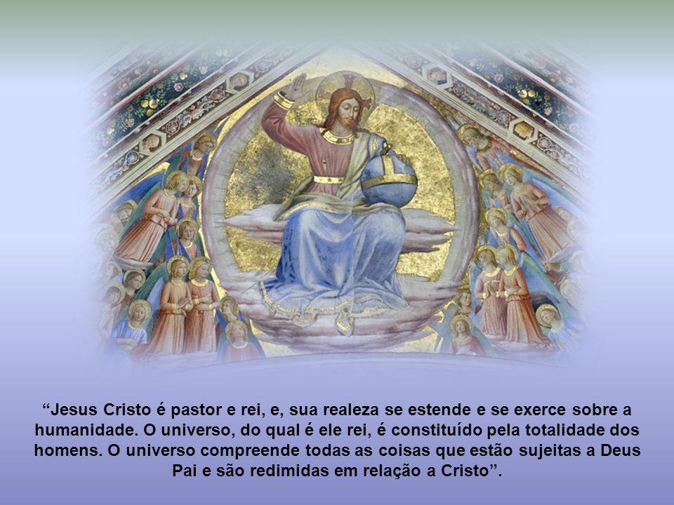 """""""Jesus Cristo é o rei e pastor que nos leva ao Reino de Deus, que nos tira das trevas do erro e do pecado, que nos guia para a plena comunhão com o Pa"""
