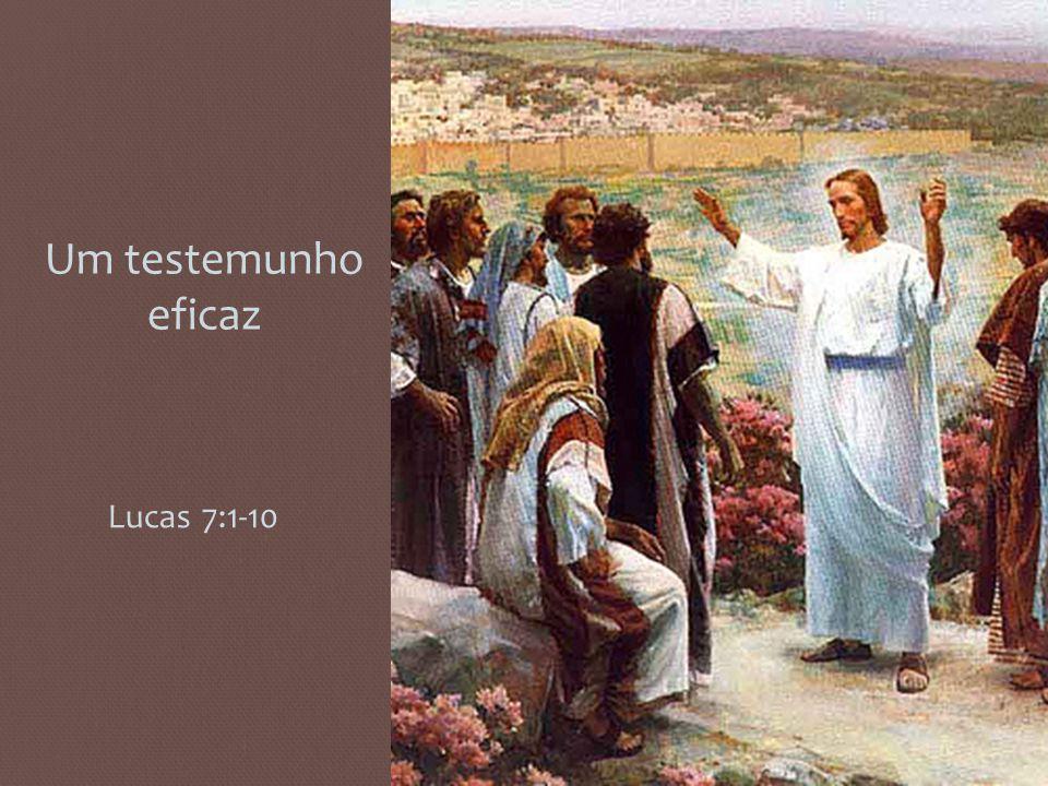 1 Tendo terminado de dizer tudo isso ao povo, Jesus entrou em Cafarnaum.