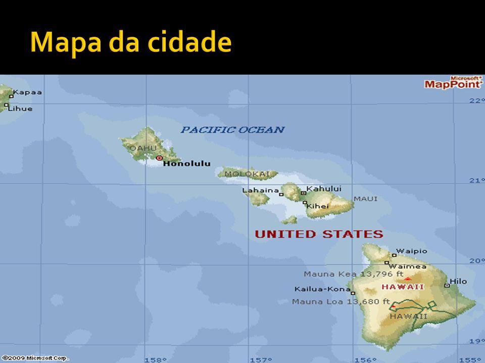  O Havaí localiza-se em um arquipélago no meio do Oceano Pacífico, podendo ser considerado o estado americano mais isolado em relação ao resto do país.