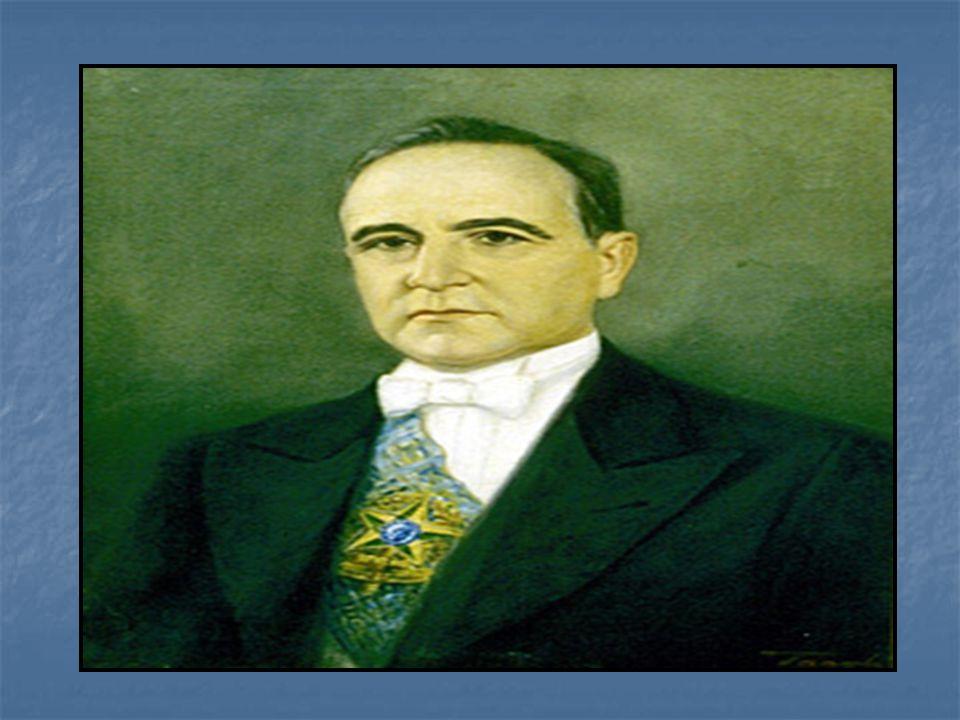 Washington Luis foi deposto pela oposição e o poder foi entregue a GETÚLIO VARGAS.
