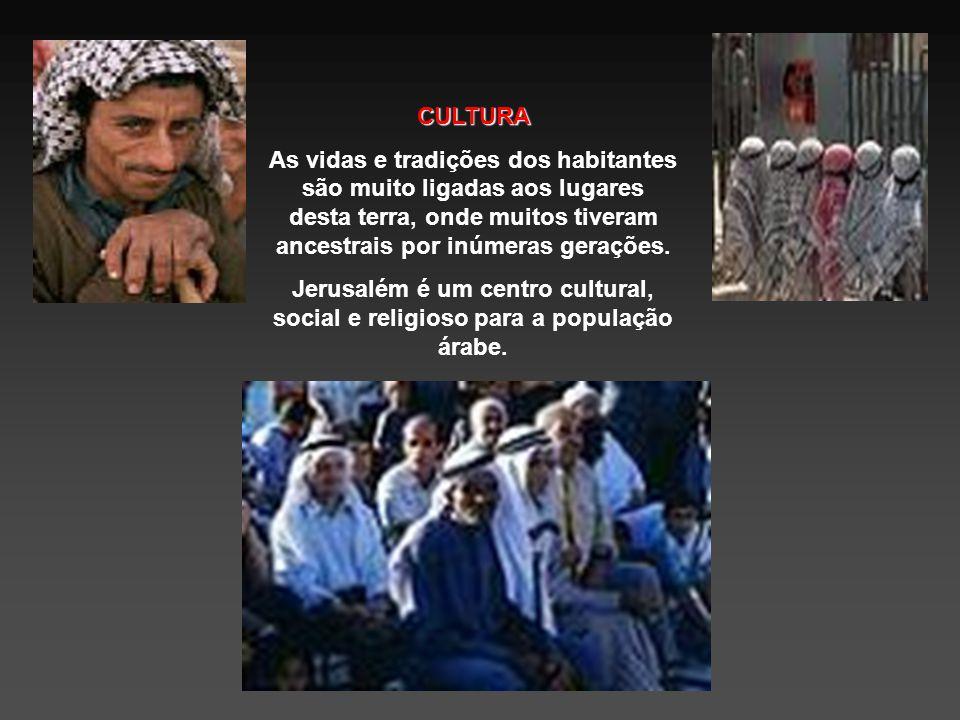 HISTÓRIA Os povos árabes habitaram essa terra por séculos. Suas presenças aumentaram significativamente após a conquista muçulmana no século VII.
