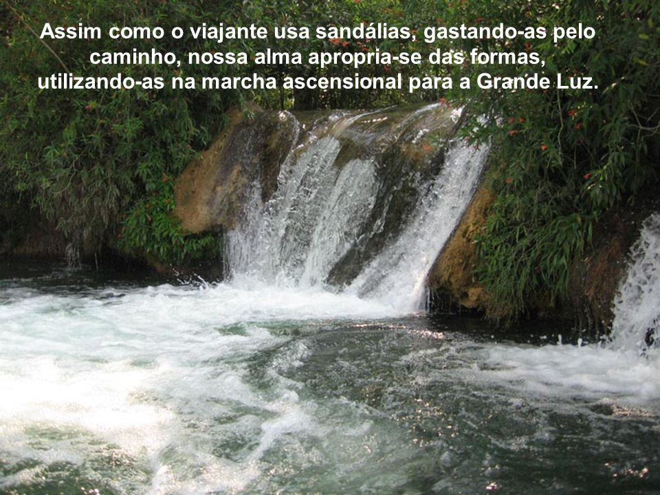 Recorda que o estágio na Terra é simples jornada espiritual. Lago Azul