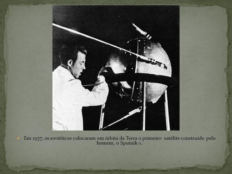 A explosão das bombas atômicas sobre Hiroshima e Nagasaki, em 1945; Em 1949 foi a vez de a União Soviética anunciar a conquista da tecnologia nuclear;