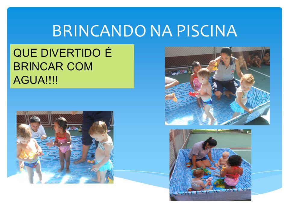 BRINCANDO NA PISCINA QUE DIVERTIDO É BRINCAR COM AGUA!!!!