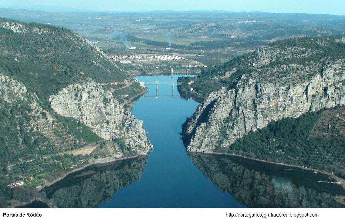 http://portugalfotografiaaerea.blogspot.comEstuário do Sado – Setúbal e Troia
