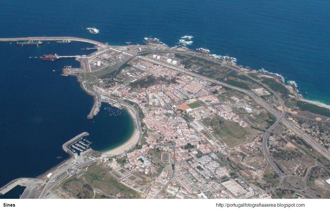 http://portugalfotografiaaerea.blogspot.comPraia da Calada