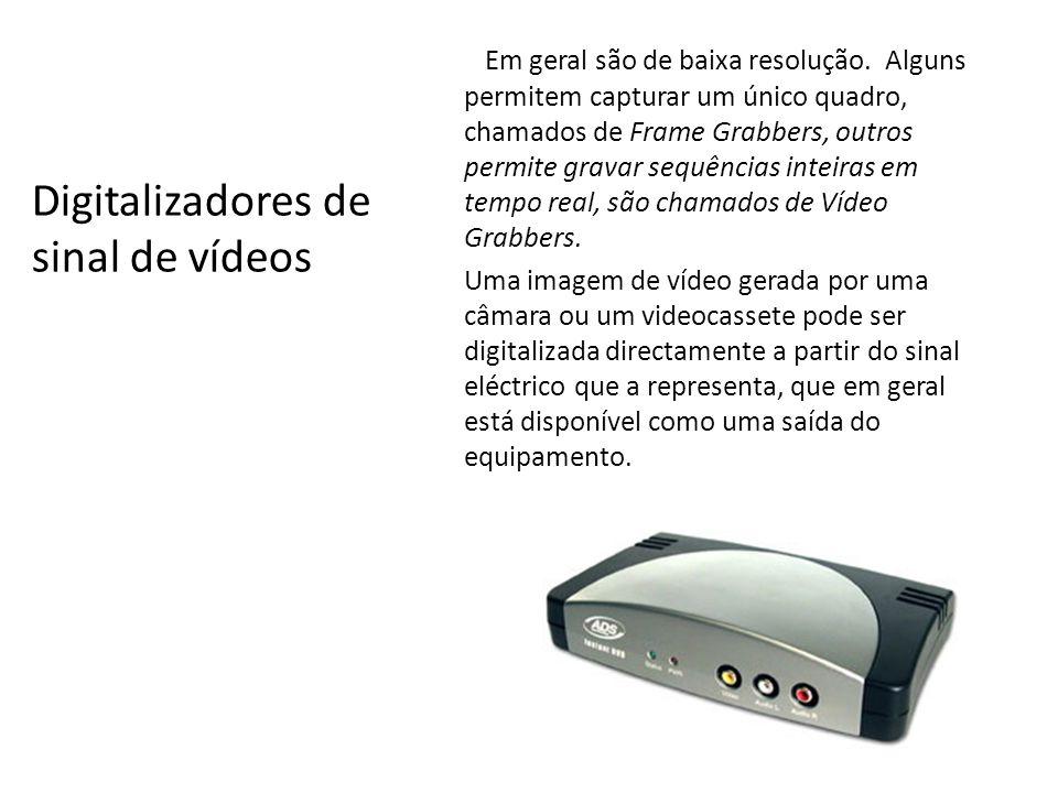 Câmaras Digitais usam um dispositivo chamado CCD (Charge Coupled Device) que actua como se fosse o filme fotográfico.