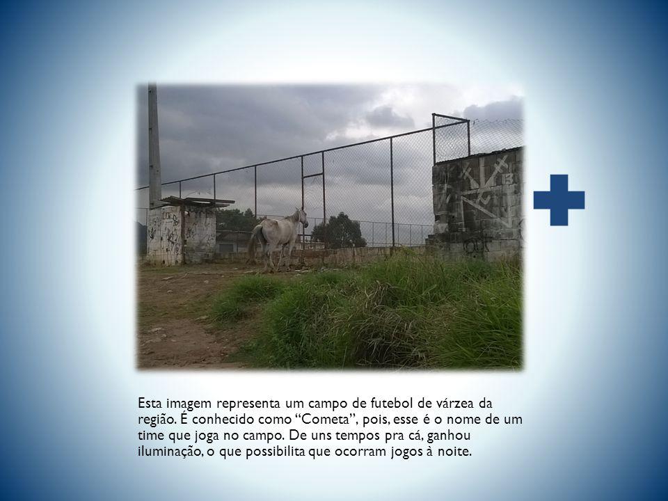 Esta imagem representa um campo de futebol de várzea da região.