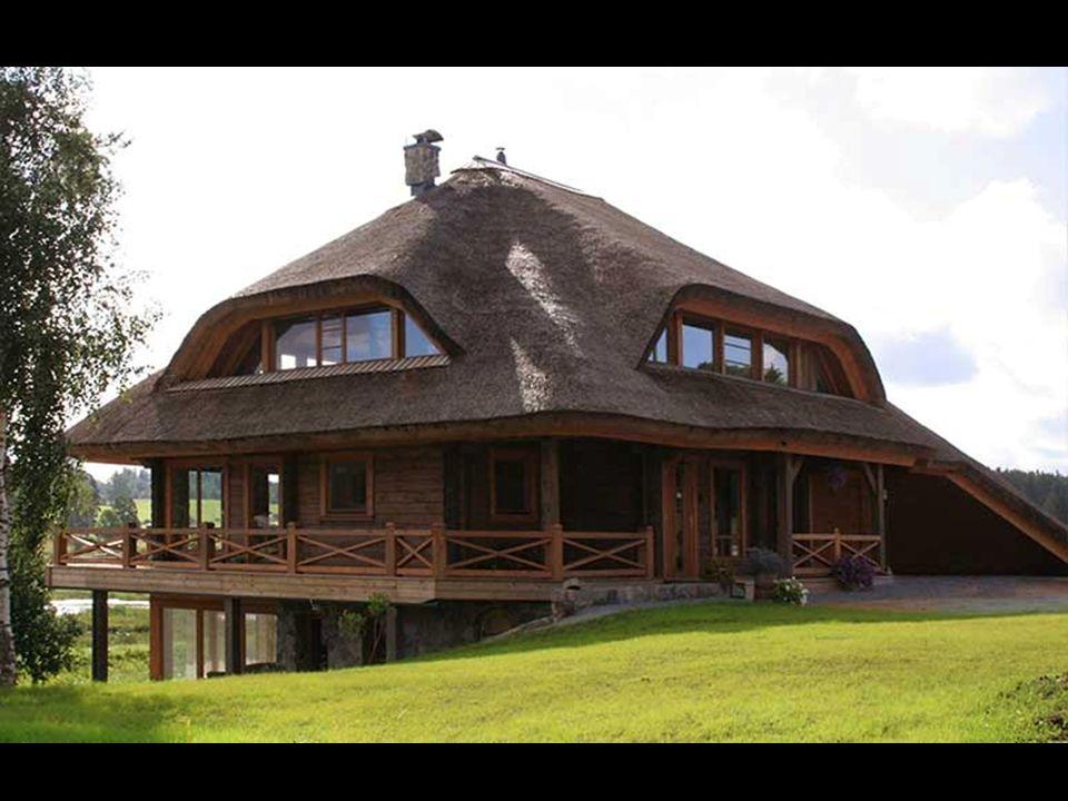 No conceito de cada casa se permite quatro tipos de coberturas - telhados de palha, troncos talhados, cerâmica o telhas de cimento.